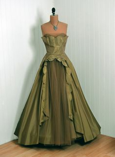 1950's Vintage Fred Perlberg Designer-Couture Marigold Yellow-Green Taffeta & Tulle Strapless Full-Length Rockabilly Circle-Skirt Gown Dress