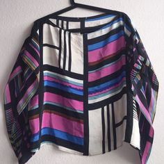 Silk graffiti top SZ small Boutique Silk boxy at waist top Boutique Tops Blouses