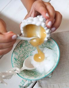 DIY Homemade Coconut Oil and Honey Hair Mask // Styling and Recipe by Stephanie Sterjovski // Photography by Anna With Love // #diy #summer #hair #beauty #athome #budget
