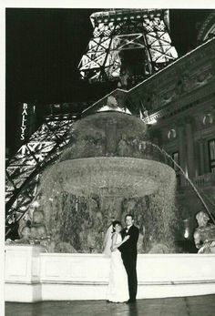 Wedding By The Eiffel Tower At Paris On Las Vegas Strip