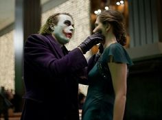 A gallery of The Dark Knight publicity stills and other photos. Featuring Christian Bale, Heath Ledger, Aaron Eckhart, Maggie Gyllenhaal and others. Joker Heath, Joker Dc, Joker And Harley, Harley Quinn, Heath Legder, Joker Dark Knight, The Dark Knight Trilogy, Marvel Heroes, Marvel Dc