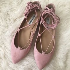 New Steve Madden lace up flats New never worn Steve Madden lace up rose flats. Beautiful color perfect for spring. Size 7 Steve Madden Shoes Flats & Loafers
