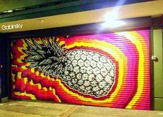 Ave. De Diego, Pda. 22, Santurce Graffitti en la santamaria.