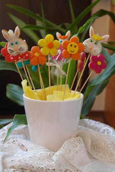 Candy bar cu turta dulce.Comanda torturi si marturii dulci facute in casa   http://cemaimancam.ro/torturi-si-marturii-facute-in-casa/