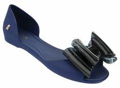Seduce VII (Azul/Preto) Melissa Shoes, Jason Wu, Sneaker Boots, Melissa Oficial, Fashion Heels, Handbags Michael Kors, Heeled Mules, Kitten Heels, Slip On