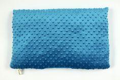 Niebieska poduszka Minky
