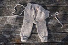 Strikkeguri sine strikkerier: Omslagsbukse