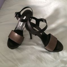 """NEW Vera Wang Lavender black heels Sexy NEW black and dark taupe scrappy heels by Vera Wang Lavender. Dark taupe band and the rest of shoe is black. Buckle able strap closure and platform front. Approx 4.5"""" heel height. Gorgeous!! New in Box Vera Wang Shoes Heels"""