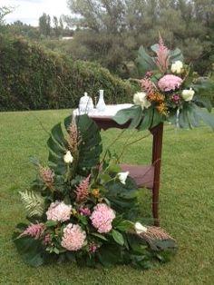Centros de la mesa de la ceremonia. #bodas #decoraciónBodas #flores