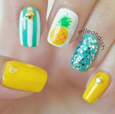 Easy Summer Pineapple Nails ~ Such a cute look! # nails # Nail designs Source by Tropical Nail Designs, Tropical Nail Art, Beachy Nail Designs, Pineapple Nails, Pineapple Nail Design, Beach Nails, Hawaii Nails, Florida Nails, Trendy Nail Art