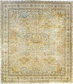 Vintage Antique Persian rugs: Persian rug (antique) rug in green pantone color, oriental rug, oriental pattern for modern, elegant interior decor, rug in living room Teal Carpet, Diy Carpet, Patterned Carpet, Carpet Colors, Rugs On Carpet, Modern Carpet, Carpet Ideas, Carpets, Plush Carpet