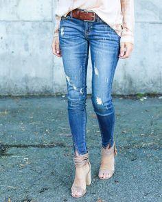 Split Ankle Skinny Distressed Jeans
