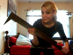 Woman Buys An Uruk Hai Sword Shows The World How Helpful It Is In