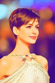 Anne Hathaway Pixie Cut