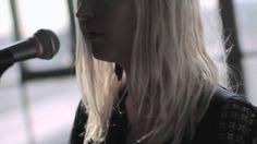 夢幻迷濛音樂底蘊! . Warpaint is the eponymous second studio album by the American indie rock band Warpaint ( from Los Angeles, California, formed in 2004.), released on January 17, 2014 on Rough Trade Records . 唱片封面把樂隊四位女生的影像重叠在一起,構成這幅迷離虛幻的圖像。這次她們的聲音亦比以往來得幽悒迷濛,Jenny的Bassline演奏愈見神秘深沉。    Warpaint - Love is to Die (Yours Truly Session)