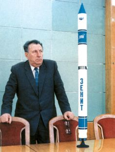 """Vladimir Fedorovich Utkin ( 17.10.1923 - 15.02.2000 ) Led VF Utkin created 2 generation strategic missile systems , several types of launch vehicles and spacecraft . Among them : high- missile R - 36M2 (SS- 18 """"Satan"""" ) , solid-propellant missile PT UTTH 23 (SS- 24 """" Scalpel """" ) , space vehicle """" Cyclone- 3 ', environmentally friendly rocket"""" Zenit """" , more than 300 families of satellites """"Cosmos"""" remote sensing satellite """"Ocean -1 ."""" Unsurpassed masterpieces created by missile"""