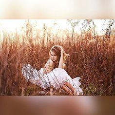 45 Ideas for nature photoshoot model beauty Outdoor Photography, Portrait Photography, Photography Classes, Photography Backdrops, Foto Nature, Boudoir Pics, Boudoir Photo Shoot, Book 15 Anos, Outdoor Shoot