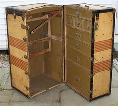 EARLY 20TH CENTURY OSHKOSH STEAMER TRUNK labeled