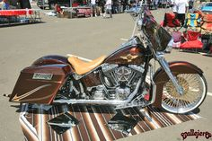 http://www.layitlow.com/forums/16-post-your-rides/106978-hogs-harleys-baggers-choppers-382.html