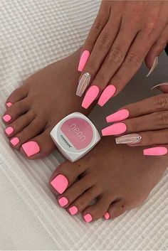 Want some ideas for wedding nail polish designs? This article is a collection of our favorite nail polish designs for your special day. Read for inspiration Neon Pink Nails, Pink Nail Art, Summer Acrylic Nails, Summer Nails, Pastel Nails, Pink Glitter, Pink Acrylics, Spring Nails, Pink Toe Nails