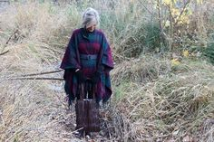 You can easily make a warm and cozy blanket coat from a blanket and a belt you might already have around the house. Blanket Coat, Up Styles, Ponchos