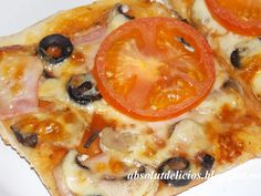 Pizza Capricciosa recipe, pizza dough, homemade pizza, how to make pizza Capricciosa Best Pizza Dough, Good Pizza, Salami Recipes, Crispy Pizza, Types Of Pizza, English Food, English Recipes, Pitted Olives, Pizza Ingredients