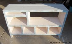 Step by step project guide on how to build a changing table from start to finish. Pallet Furniture Tv Stand, Diy Home Furniture, Playroom Furniture, Furniture Ideas, Diy Storage Shelves, Record Storage, Diy Changing Table, Table Palette, Building Shelves