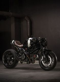 Things Ducati, old & new! Send me your Ducati photos, links, etc along with a description. Ducati Cafe Racer, Moto Ducati, Cafe Bike, Ducati Motorcycles, Cafe Racer Bikes, Cafe Racer Motorcycle, Moto Bike, Motorcycle Outfit, Ducati 796
