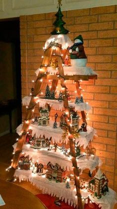 Christmas Tree Village, Wall Christmas Tree, Outside Christmas Decorations, Christmas Tree Design, Easy Christmas Crafts, Diy Christmas Tree, Simple Christmas, Christmas Ideas, Christmas Tables