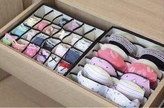 Organizadores de gaveta para a lingerie ajudam a manter suas roupas íntimas bem guardadinhas. | 53 dicas para organizar o guarda-roupas que vão mudar a sua vida para sempre
