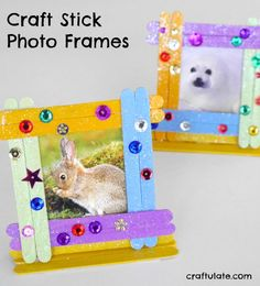 These craft stick photo frames are a fun craft for kids to make! Uses craft sticks, paint, glue and sequins.