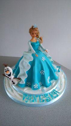 Vj  tortičky Barbie Birthday Cake, Birthday Cakes For Teens, Cupcake Birthday Cake, Baby Doll Cake, Doll Cakes, Bolo Barbie, Barbie Cake, Cupcakes, Cupcake Cakes