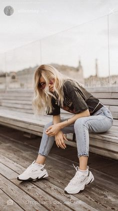 (notitle) The post appeared first on Fotografie. Portrait Photography Poses, Photography Poses Women, Tumblr Photography, Portraits, Cute Poses For Pictures, Picture Poses, Photo Poses, Foto Casual, Photo Portrait