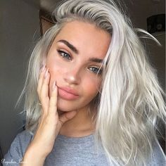Fantastic Look Of 2018 Blonde Hair Color Shades For You. If you want to wear the Beautiful Shades of Blonde Hair Color S Hair Inspo, Hair Inspiration, Pretty Hairstyles, Wedding Hairstyles, Hair Goals, Dyed Hair, Short Hair Styles, Silver Hair Styles, Silver Hair Colors