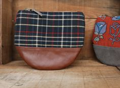 This beautiful Large size Kimono × Leather Wallet is made of my favorite Indigo-blue Vintage Japanese woven checkered Kimono fabric ( 100% Silk ) and Beautiful Italian brown leather.