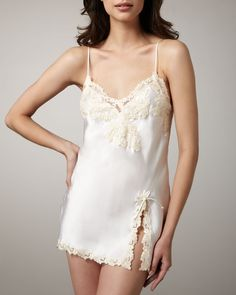 http://docchiro.com/la-perla-maison-satin-chemise-p-790.html