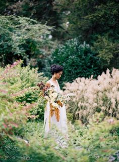 Find beautiful wedding venues, vendors + a wedding show calendar. See prices, discounts, detailed info, ideas + wedding checklists. Wedding Show, Mod Wedding, Wedding Pics, Wedding Ideas, Fall Wedding Decorations, Beautiful Wedding Venues, Bridal Shoot, Timeless Elegance, Autumn Wedding