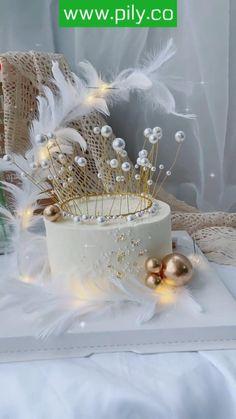 Chanel Birthday Cake, 21st Birthday Cakes, Birthday Cake Toppers, Cake Decorating Kits, Birthday Cake Decorating, Cake Decorating Techniques, Elegant Birthday Cakes, Pretty Birthday Cakes, Fondant Flower Cupcakes