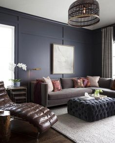 20 trendy living spaces that you can redesign at home! - Home and decoration - 20 trendy living spaces that you can redesign at home! Living Room Color Schemes, Paint Colors For Living Room, Living Room Designs, Living Room Decor, Dining Room, Dark Paint Colors, Wall Colors, Masculine Living Rooms, Dark Living Rooms