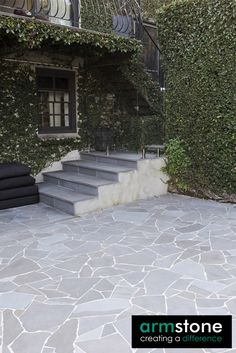 Pianura Bluestone Crazy pavers give the flexibility to create your own patterns and designs. That is the true beauty of crazy paving, the ability to combine small pieces with large pieces and achieve any design you please. You also have the option to chip away at the stone to shape each piece to your liking. RE-PIN!