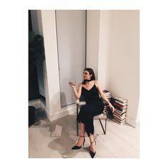 #hostess #friendsgiving @callmecolleen 🙏🏻 for the 📸 - chic all black