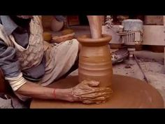 The art of making clay Pot