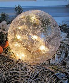 VillaTuta: Jääpallo ilman jäädyttämistä! Christmas 2016, Christmas Crafts, Christmas Bulbs, Christmas Ideas, Ice Crafts, Diy And Crafts, Nature Source, Ice Sculptures, Winter Beauty