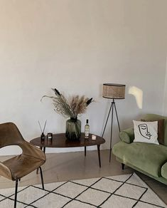 Living Room Decor, Living Spaces, Bedroom Decor, Bauhaus Interior, Aesthetic Room Decor, Decoration Design, Vintage Modern, My New Room, House Rooms