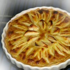 Apple Tart Recipe from Alsace Region of France: Regional French Tart, Alsace Speciality Tarts, Appetizers and Desserts recipes, Alsatian food and wine pairing tips, Traditonal French food recipes Easy Smoothie Recipes, Easy Smoothies, Good Healthy Recipes, Snack Recipes, Healthy Smoothie, Cheese Recipes, Easy Recipes, Chicken Recipes, Dinner Recipes