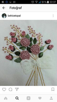 This Pin was discovered by Ümm Embroidery Flowers Pattern, Wool Embroidery, Embroidery Patterns Free, Hand Embroidery Stitches, Embroidery Fashion, Silk Ribbon Embroidery, Embroidery Hoop Art, Lace Patterns, Flower Patterns