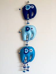 Felt Crafts, Diy And Crafts, Arts And Crafts, Paper Crafts, Wall Ornaments, Felt Baby, Diy Craft Projects, Craft Gifts, Christmas Crafts