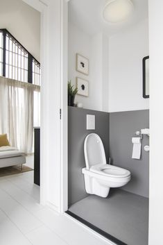 Enchanting luxurious master bathroom decorating suggestions for master baths and small bathroom. Mansion bathroom to ins. Bathroom Layout, Bathroom Interior, Modern Bathroom, Small Bathroom, Master Bathroom, Interior Design Living Room, Master Baths, Zen Master, Mansion Bathrooms