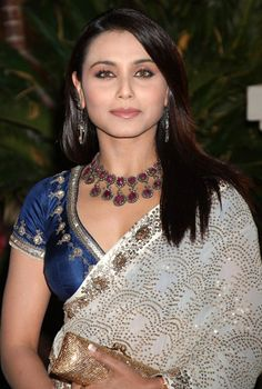 Rani Mukerji & Aditya to Get Marriage in February 2014 - Find Beauty Tips & Tricks For Woman and Learn Health Issues Bollywood Stars, Bollywood News, Beautiful Blouses, Beautiful Saree, Indian Dresses, Indian Outfits, Indian Clothes, Rani Mukerji, Face Cut