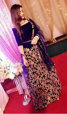 Nainika sharma Shadi Dresses, Pakistani Dresses Casual, Pakistani Wedding Outfits, Pakistani Dress Design, Indian Dresses, Indian Outfits, Indian Attire, Indian Wear, Fancy Wedding Dresses